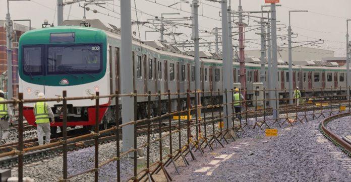 ঢাকা মেট্রো রেল শুক্রবার পরীক্ষামূলক যাত্রা শুরু করেছে